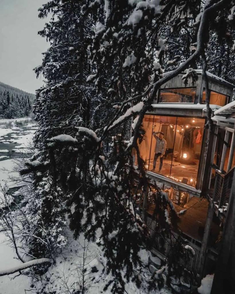 Cabin in Norwegian wilderness