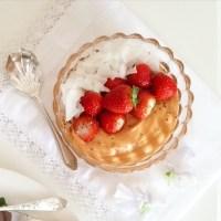 Strawberries & cream smoothie bowl