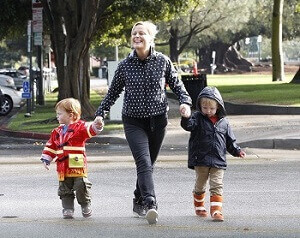 Amy Poehler with her kids