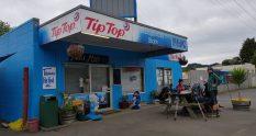 Te Araroa Trail Day 8 - The famous Mangamuka Dairy