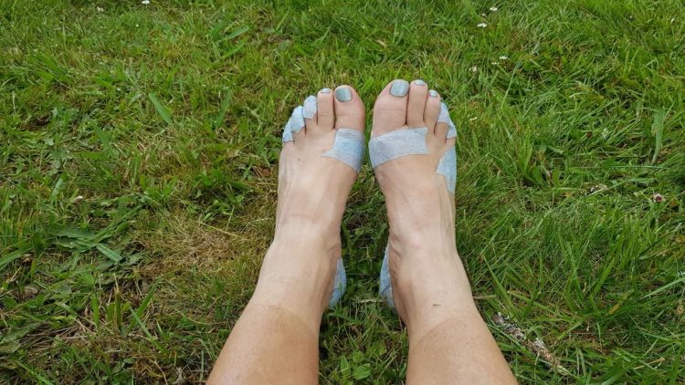 Te Araroa Trail Taping feet for blister prevention