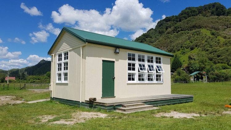 Te Araroa Trail Whakahoro DoC hut