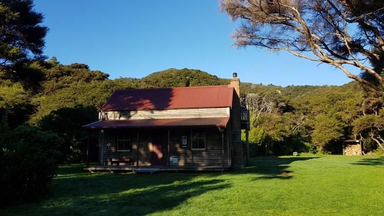 Whariwharangi hut Abel Tasman