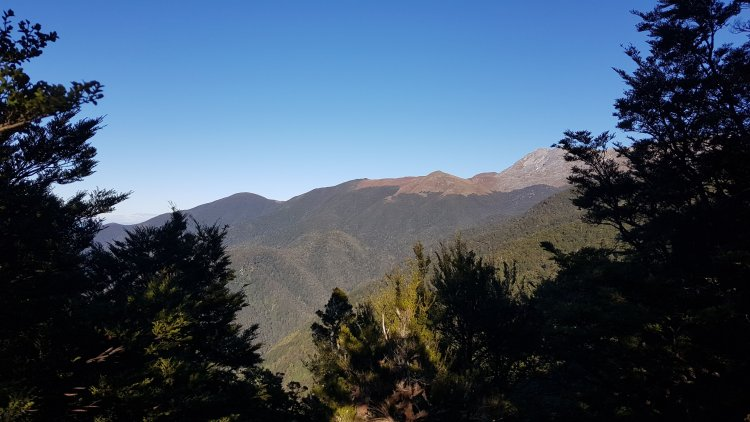 A glimpse of the Arthur Range