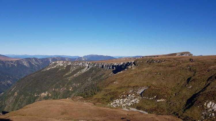 Towards the South East rim of 100 Acre Plateau