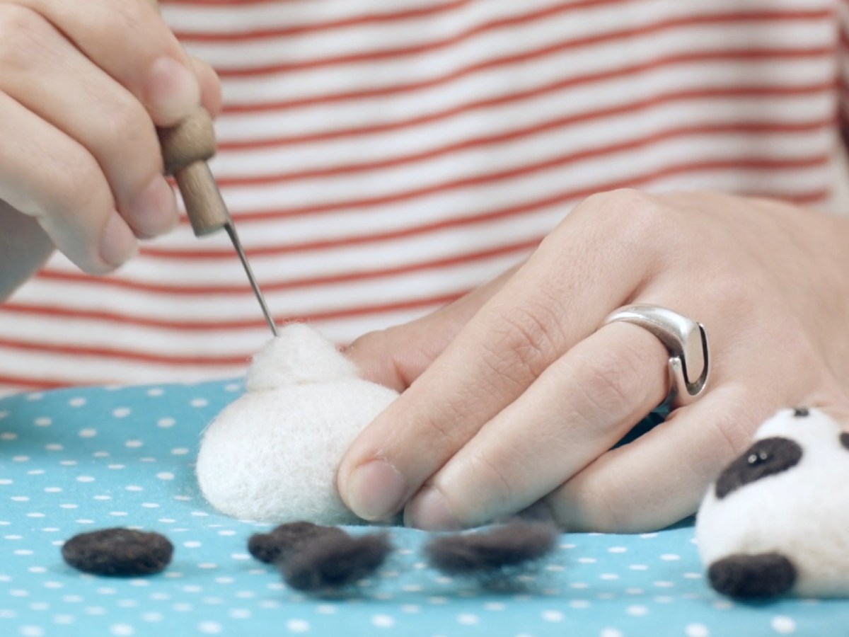 Needle felting classes featured domestika