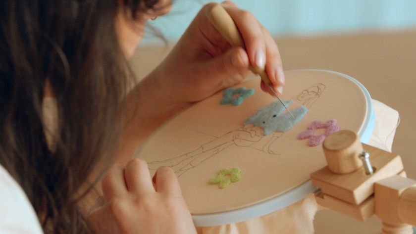 embroidery with needle felting classes domestika