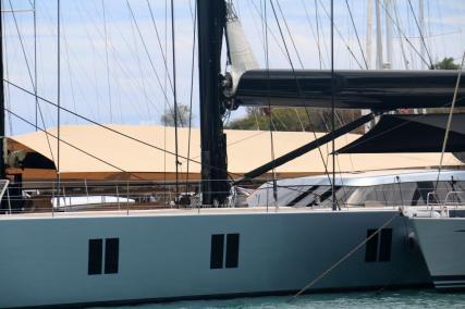 Superyacht in Nelson's Dockyard