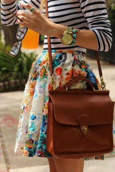 http://fashionable100.blogspot.co.id/2012/11/combinar-flores-con-rayas-por-que-no.html