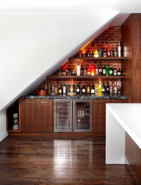 cara memanfaatkan ruang bawah tangga