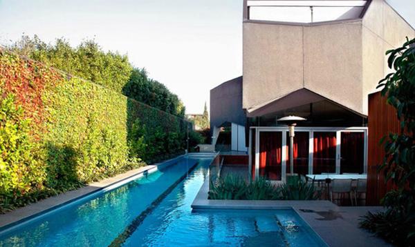 Denah Rumah Minimalis Modern dengan Kolam Renang Outdoor
