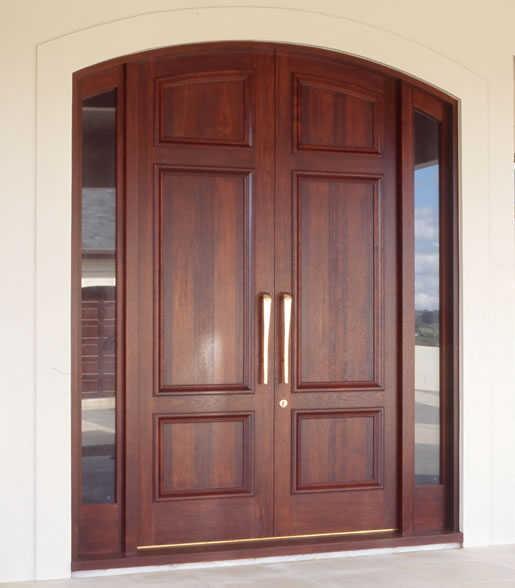 Model pintu dengan hiasan kaca dipinggir