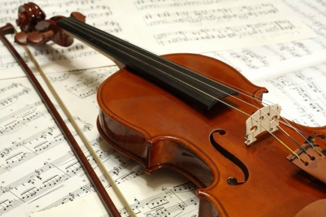 Use Borax to clean violin strings instead of rehairing