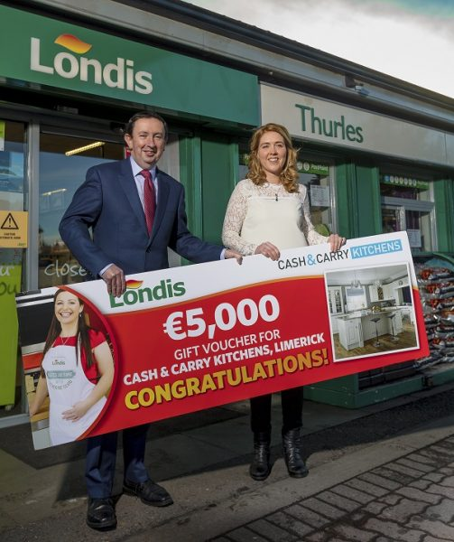 Noreen Fitzpatrick pictured at Aherne's Londis, Abbey Road, Thurles County Tipperary, receiving her prize cheque from retailer Liam Aherne. Picture: Andy Jay