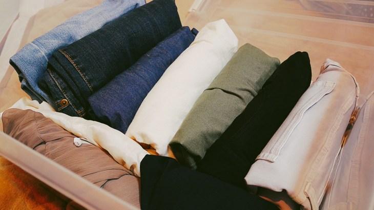 洋服の収納ケースを布製にするメリット・デメリットと選び方