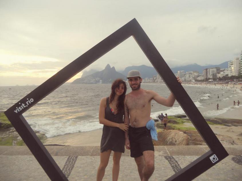 Foto ricordo alla spiaggia di Ipanema di Rio de Janeiro Brasile