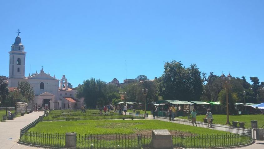 Piazza centrale de La Recoleta di Buenos Aires