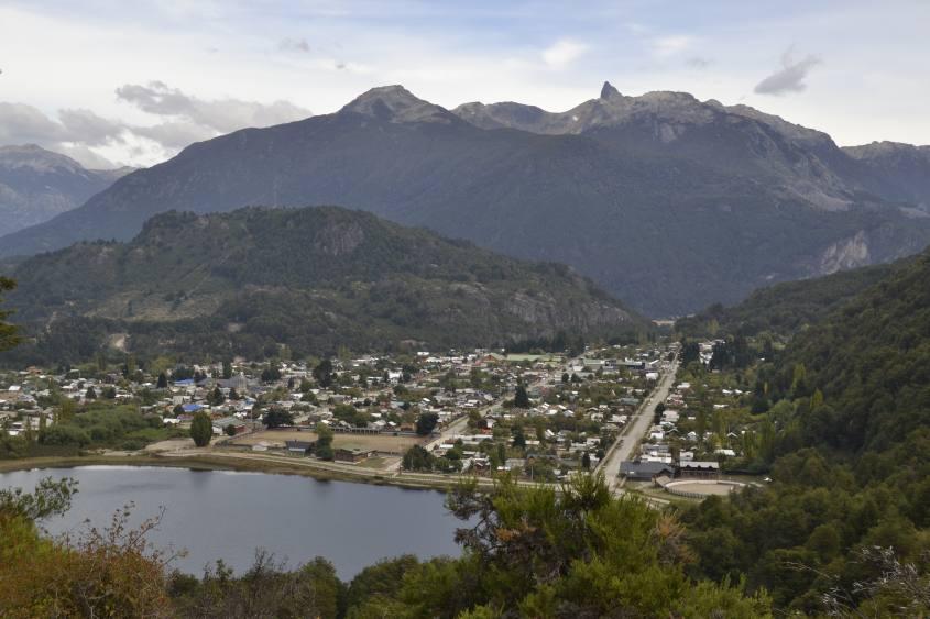 Vista con panorama dal Mirador del Agua a Futaleufu Cile