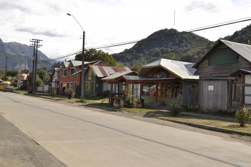 Via principale Futaleufu nella patagonia in Cile