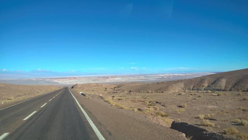 Paesaggi che si incontrano sulla strada da Calama a San Pedro di Atacama in Cile