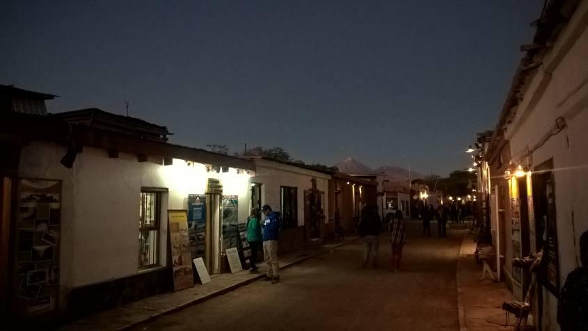 Calle Caracoles, la via principale di San Pedro di Atacama in Cile