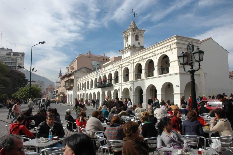 centro-de-la-ciudad-de-salta-cabildo-historico-carolina-am-municipalidad