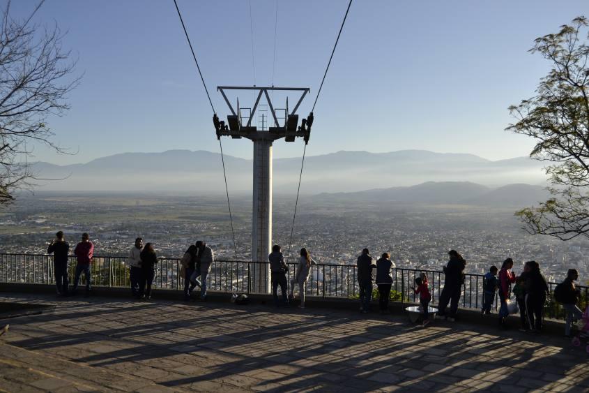Vista dal punto panoramico Cerro San Bernardo a Salta in Argentina