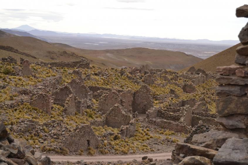 Città fantasma San Antonio de Lipéz durante tour al Salar di Uyuni in Bolivia