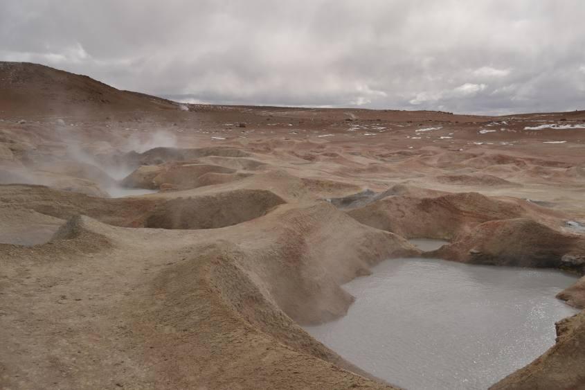 "Geyser ""Sol de Mañana"" durante il tour al Salar di Uyuni in Bolivia"