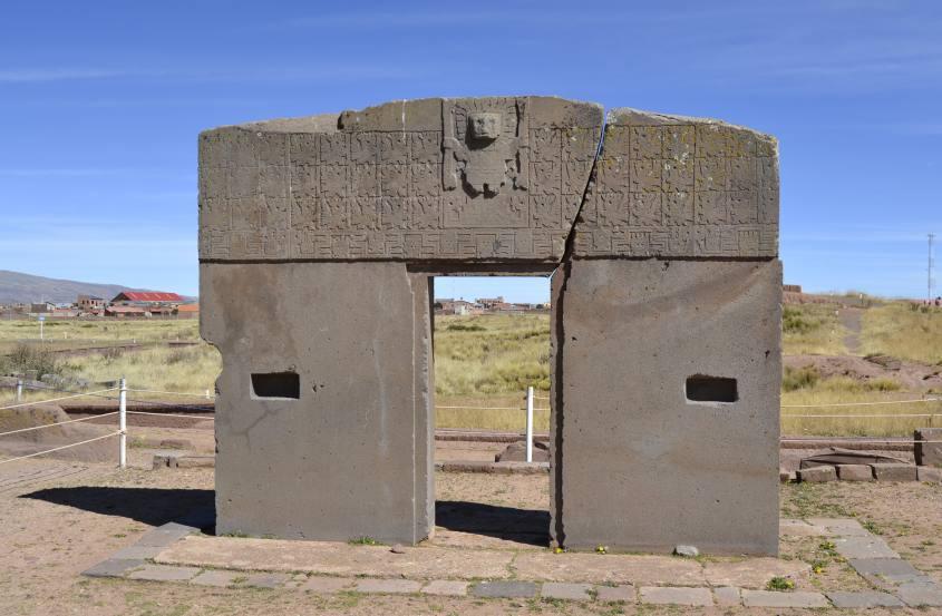 Puerta del Sol o Porta del Sole a Tiwanaku vicino La Paz in Bolivia