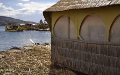 Tour di un giorno alle ISLAS FLOTANTES, le case galleggianti degli Uros