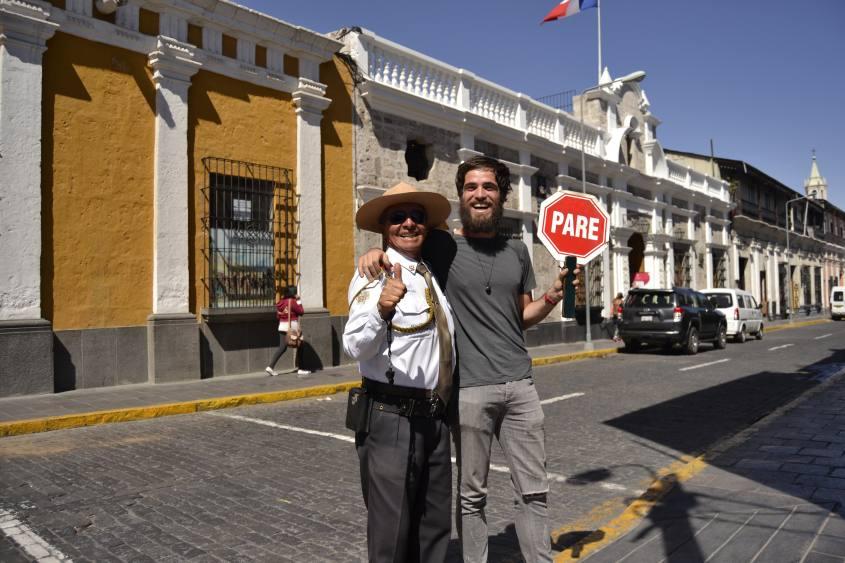 Foto con lo sceriffo di Arequipa