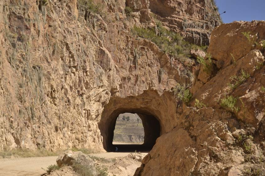 Galleria per arrivare all'ingresso al Canyon del Colca
