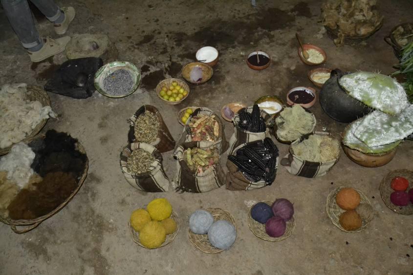 Colori naturali usati per tingere la lana in Perù