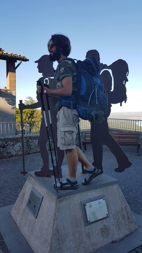 Monumento del Pellegrino Montefiascone Via Francigena