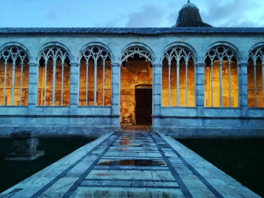 Corte interna del Camposanto di Pisa