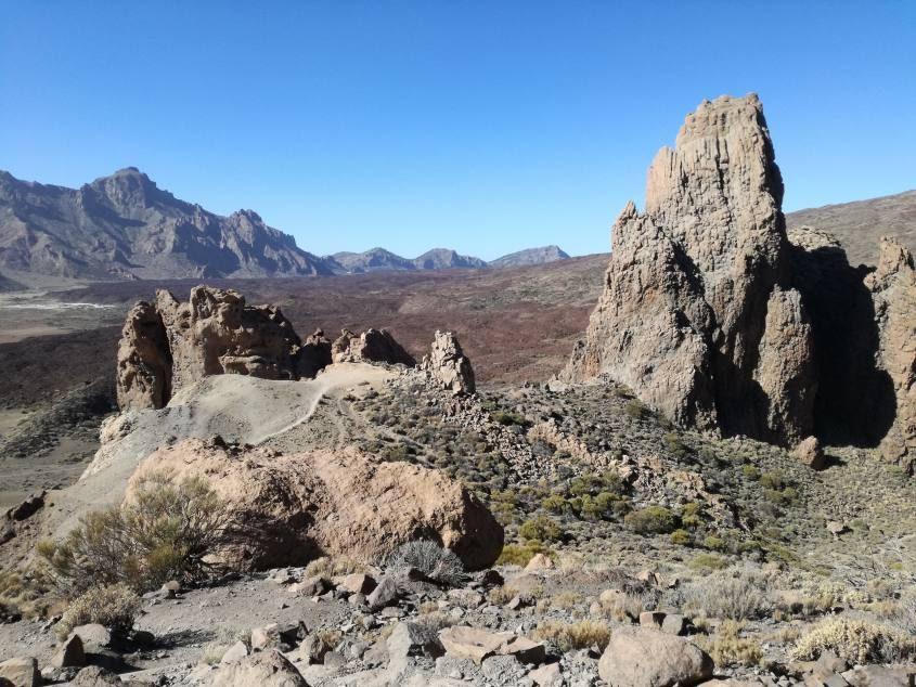 Paesaggio lunare trekking Parco del Teide Tenerife