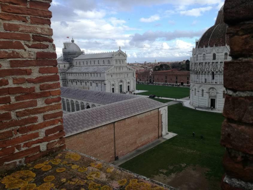 Vista Piazza dei Miracoli da Le Mura di Pisa