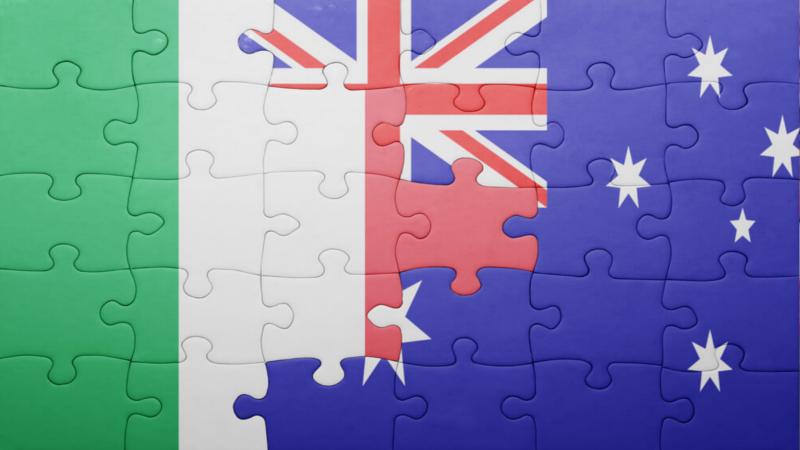 Bandiera mezza italiana e mezza australiana