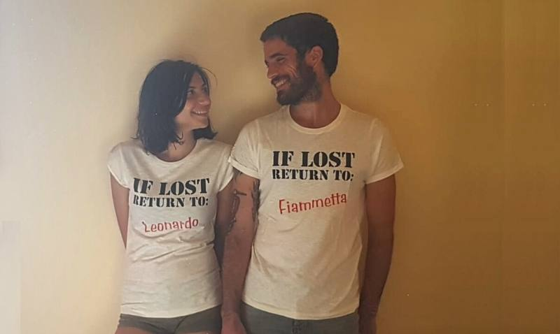 Foto con maglie If Lost Return To