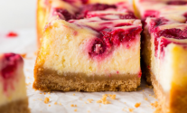 Keto Raspberry Swirl Cheesecake