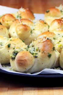 Keto Garlic Knots
