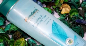 Himalaya Refreshing and Clarifying Toner Review, Price, How to use it