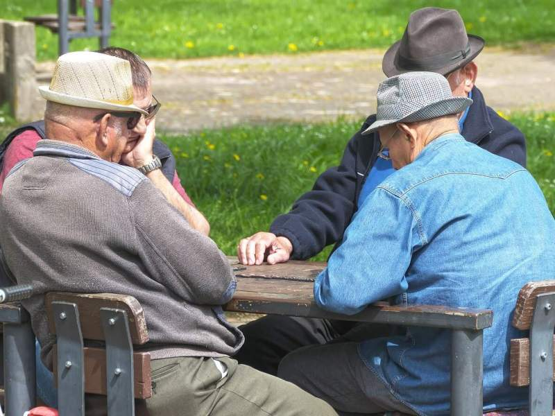 Get the most out of group discussion sessions with seniors