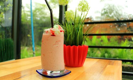 How to make protein shake without blender