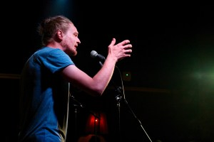 Finalist Simeon beim Topical Island Poetry Slam - Thema Erotik Slam am 24. Juli 2018 im Beyerhaus