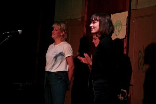 Bonny Lycen, Julia Szymik und Moderatorin Josephine von Blueten Staub beim Fem Slam, TIPS