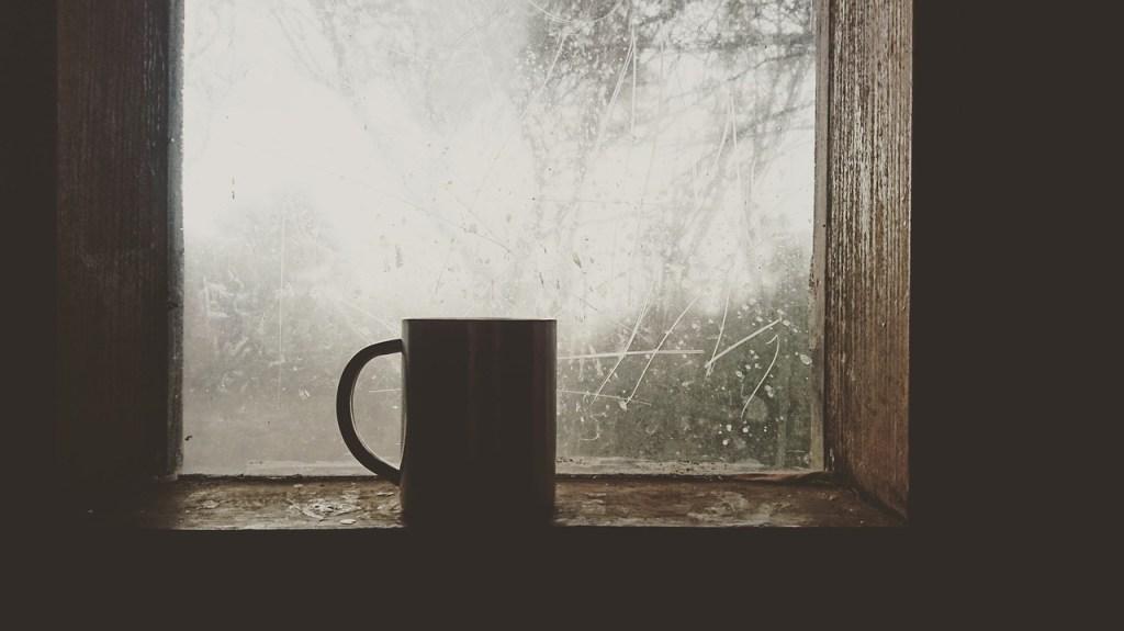 窓際のコーヒー