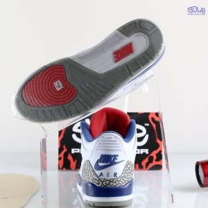 "ea5ef01ebb50 Nike Air Jordan  3  III ""True Blue"" with Sole Protector™ On Glass"