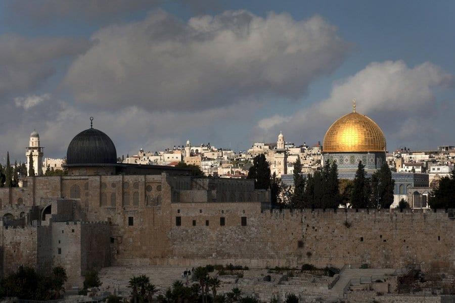 اليهود سورةٌ تقلب المائدة على رؤوس اليهود 5